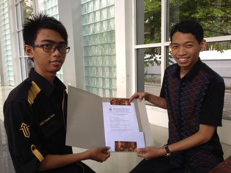 Serah Terima Beasiswa Pandawa_2 (2)
