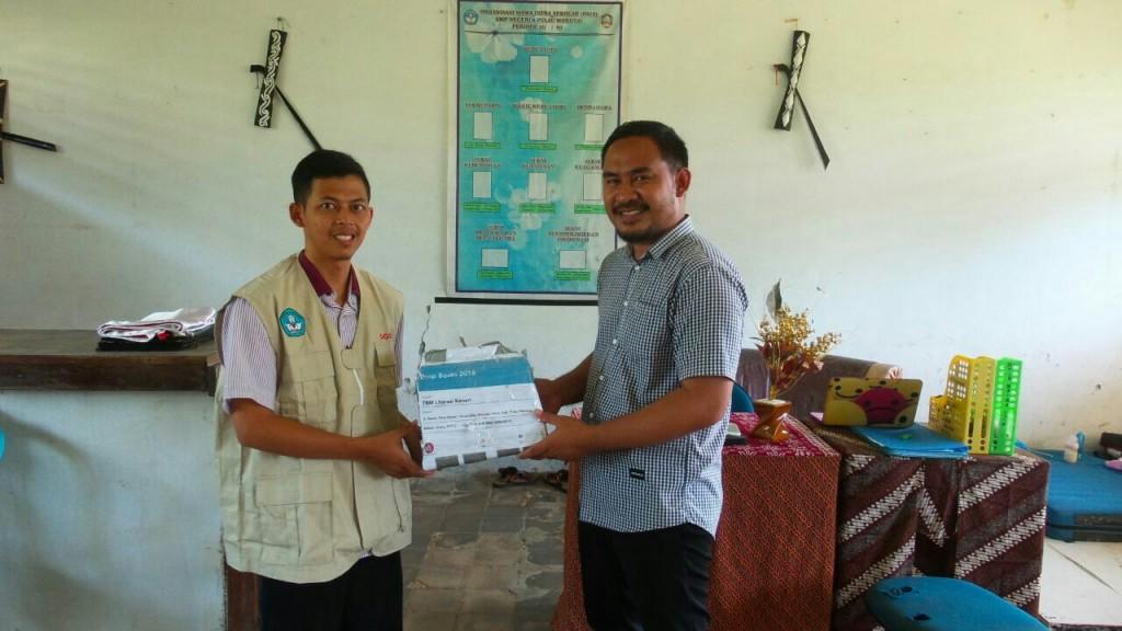 Donasi Buku untuk SMP N Morotai2